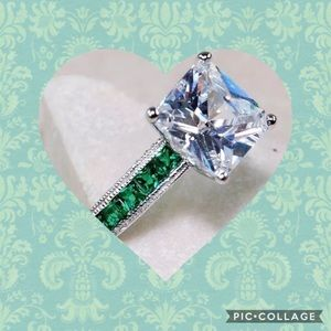 Jewelry - 3CT SOLITAIRE WHITE TOPAZ➕EMERALDS ON BAND OF RING